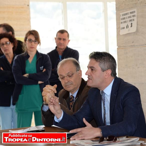 Il sindaco di Tropea Giuseppe Rodolico, il Presidente della terza commissione consiliare sanità On. Michele Mirabello - foto Stoe