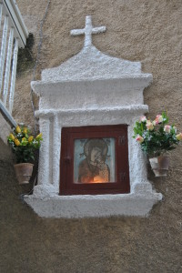 Un'edicola dedicata alla Madonna di Romania