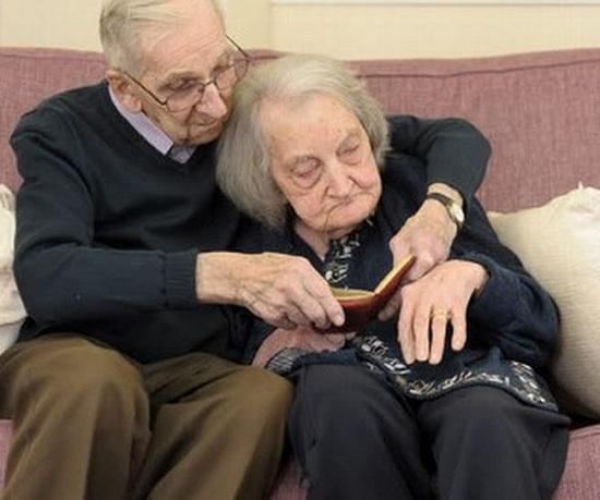 Jack Potter, marito tenerissimo, legge tutti i giorni il diario della moglie con amnesia.