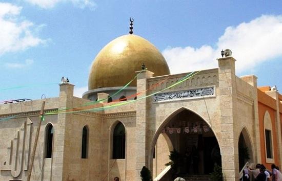 Siria: aperta a Tartus moschea dedicata alla Vergine Maria, onorata anchenel Corano. Infatti è l'unica donna che dà nome a una sura (capitolo) del Corano: la sura 19 si chiama infatti Maryam, Maria in arabo.