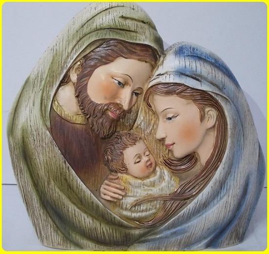 Noi, i beneficiari del Natale, abbiamo non solo alcuni motivi, ma un vero e proprio obbligo di festeggiare Lui, nostro Signore, che ha lasciato il suo regno per venire a nascere in una capanna, tra animali, povero tra i poveri, il più umile di tutti. Rallegriamoci e facciamo vera festa: questa è l'ora della sua grazia.