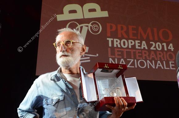 Vince la VIII edizione  Antonio Moresco (con il suo libro La lucina) - foto Stroe
