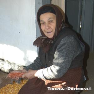 Anziana - foto Stroe
