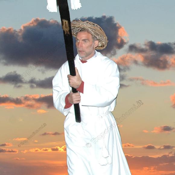 """Antonio Calamita, """"custode"""" scrupoloso della Chiesa Concattedrale di Tropea - foto Libertino"""