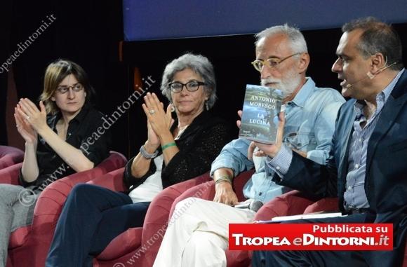 I tre autori finalisti Chiara Valerio (con Almanacco del giorno prima), Sandra Petrignani (con Marguerite) Antonio Moresco (con il suo libro La lucina) – Pasqualino Pandullo – foto Stroe