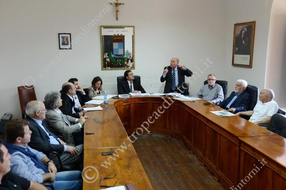 Oggi nel Consiglio Comunale sancita la la scelta di assicurare la concessione cinquantennale in favore della Spa Porto di Tropea - foto Libertino