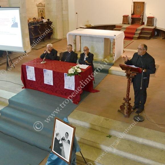 Il convegno del 21 settembre 2013 nella Chiesa Cattedrale di Tropea - foto Libertino