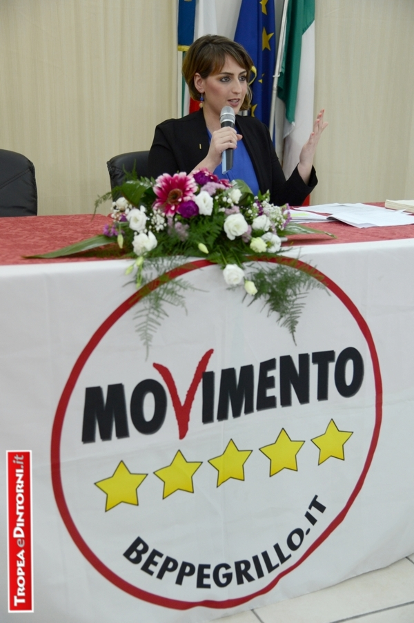 Dalila Nesci in un recente incontro presso la Biblioteca Comunale di Tropea - foto Libertino