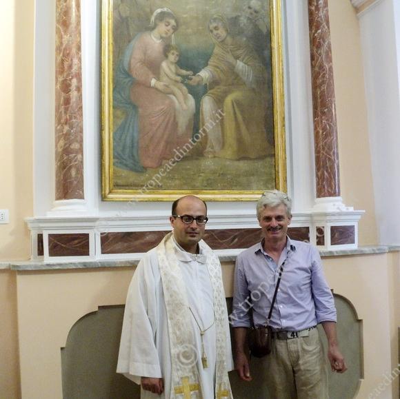 Don Antonio Gennaro, sacerdote della comunità di Caria e Drapia, il restauratore Nicola Mazzitelli - Foto Fusca