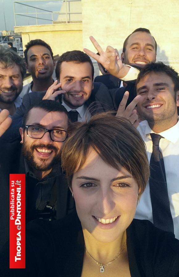 Dalila Nesci con i colleghi Giuseppe D'Ambrosio, Alessandro Di Battista, Carlo Sibilia, Massimo Artini, Giorgio Sorial, Manlio Di Stefano