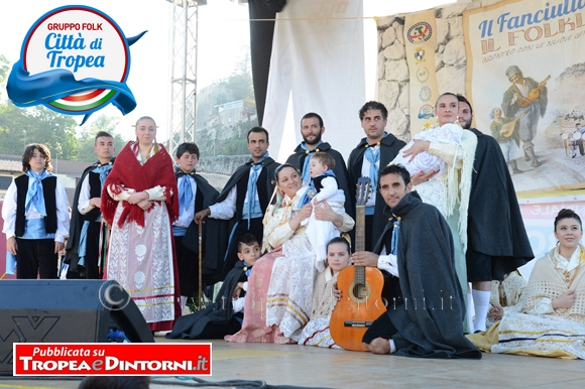 Il Gruppo Folk Città di Tropea - foto Libertino