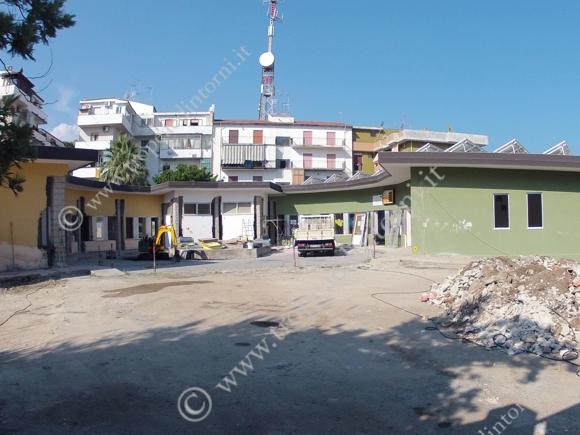 Tropea: cantiere nella scuola primaria - foto Libertino