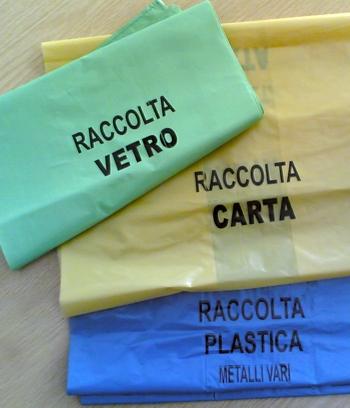 Sacchetti per la raccolta differenziata - foto Barritta