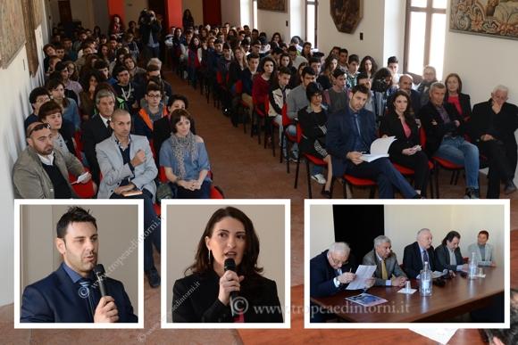 """A Tropea la proclamazione dei finalisti regionali del premio letterario """"La Giara"""" - foto Libertino"""