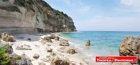 """La Spiaggia della """"Scalea"""" di Santa Domenica di Ricadi incoronata da Legambiente tra le spiagge più belle d'Italia e la più bella della Calabria"""