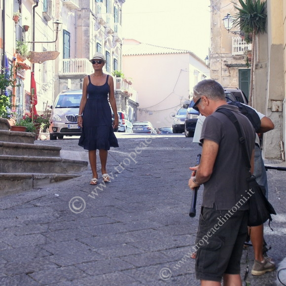 A Tropea la troupe della nota trasmissione televisiva  - foto Libertino