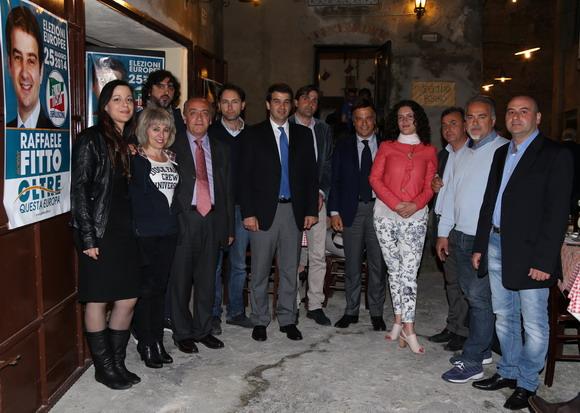 Foto di gruppo con la lista Macrì - foto Caracciolo