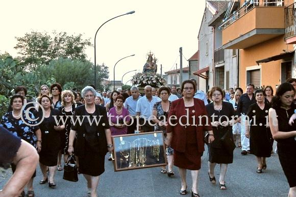 La processione della Madonna della Neve a Zaccanopoli- foto Stroe