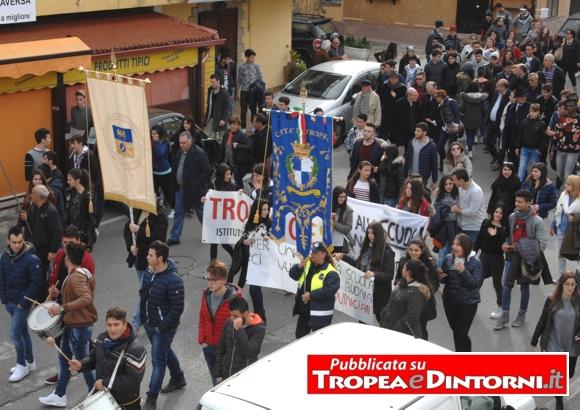 La manifestazione di Cittadinanza Attiva - Tropea 14 dicembre 2015 - foto Libertino