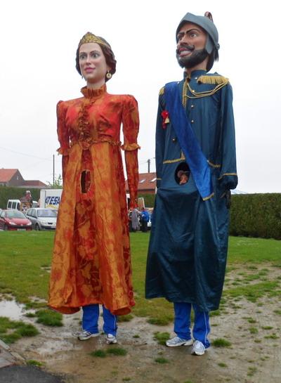 Mata e Grifone nella cittadina di Steenvoorde