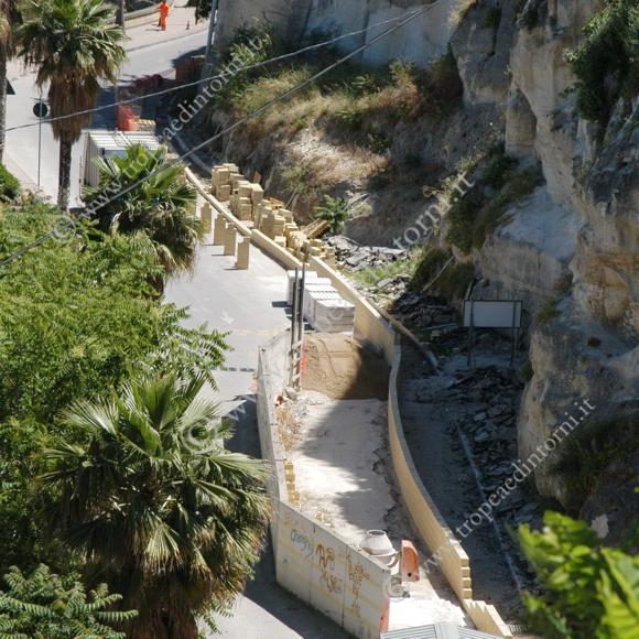 I lavori iniziati  sul lungomare di Tropea - foto Libertino