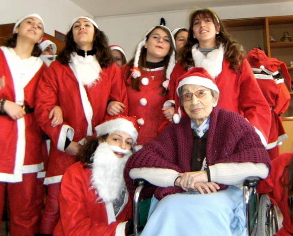La festa del 21 dicembre alla casa di riposo don Mottola