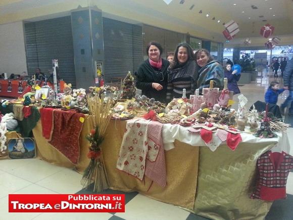 Anlcuni manufatti natalizi esposti nel C.C. Vibo Center