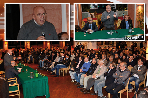 Mario Oliviero nell'incontro di giovedì 13 novembre a Tropea - foto Libertino