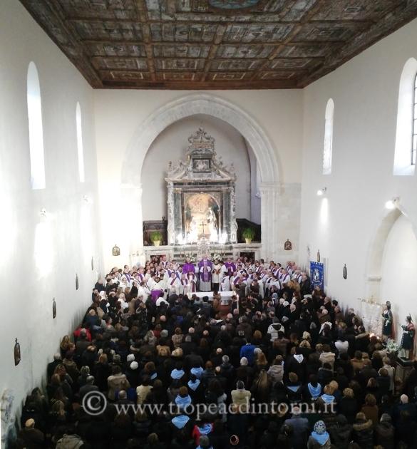 L'Annunziata, il giorno del funerale, la parrocchia di cui Padre Aldo era responsabile