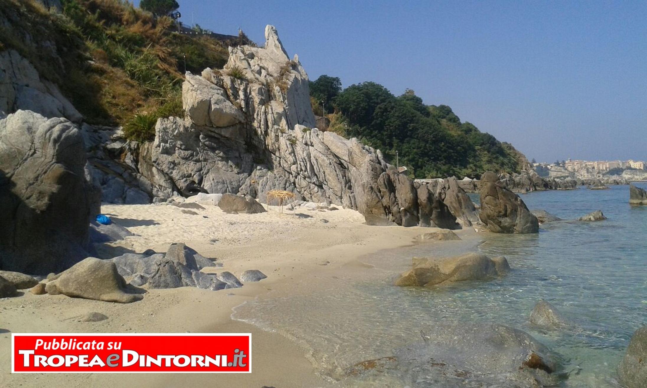 Suggestivo scorcio della spiaggia di Parghelia - foto Carmen Donè