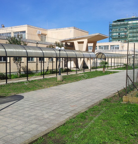 Plesso n° 2 della scuola elementare centro di via Coniugi Crigna Tropea - foto Sorbilli