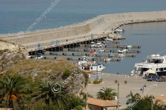 I pontili al porto di Tropea Oggi - foto Libertino