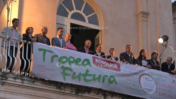 """Il comizio di ringraziamento di """"Tropea Futura"""" - foto Libertino"""