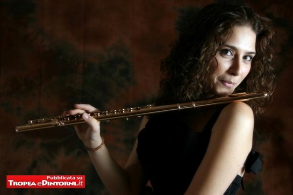 Sarah Rulli una musicista italo-belga nata a Lanciano è flautista ed ottavista