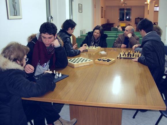 Un momento del corso di scacchi