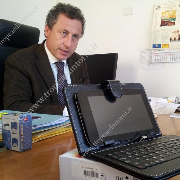 """L'ing. Antonello Scalamandrè Dirigente dell'Istituto """"Don Francesco Mottola"""" - foto Sorbilli"""