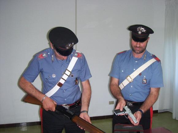 """Sequestrati  fucile, pistola e munizioni dalla Legione Carabinieri """"Calabria Compagnia di Tropea"""""""