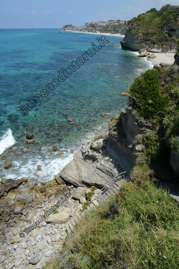 """Lo scorcio panoramico di Tropea visto dalla """"Spiaggia dell'Occhiale"""" - foto Libertino"""