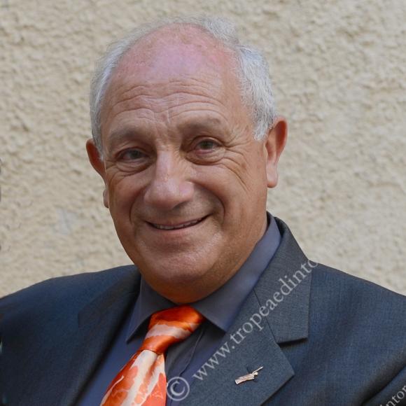 Il giornalista scrittore Enzo Taccone - forto Libertino
