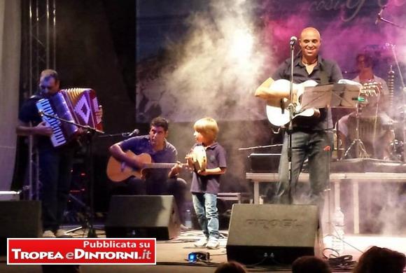 "Il gruppo musicale nasce dall'associazione ""Tarant'è"" presieduta da Michele Simonelli"