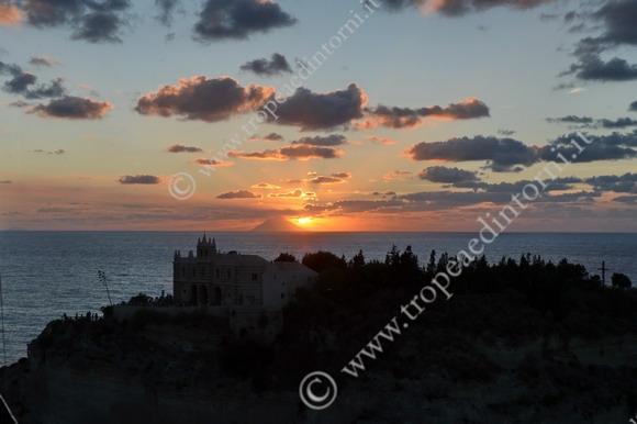 Il tramonto del 25 agosto 2014 - foto Libertino