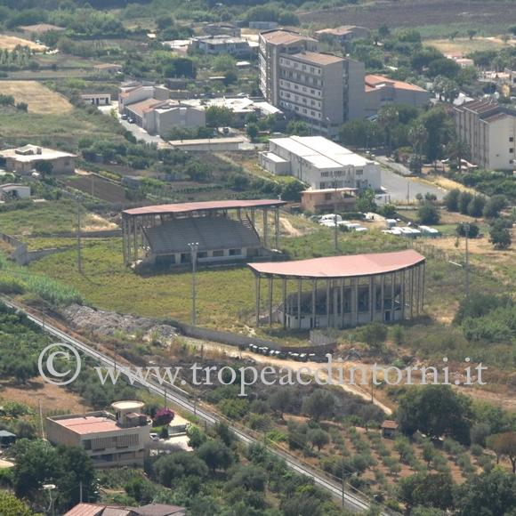 Lo stadio di Tropea sequestrato - foto Libertino