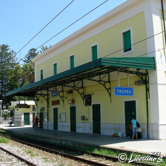 La stazione ferroviaria di Tropea - foto Libertino