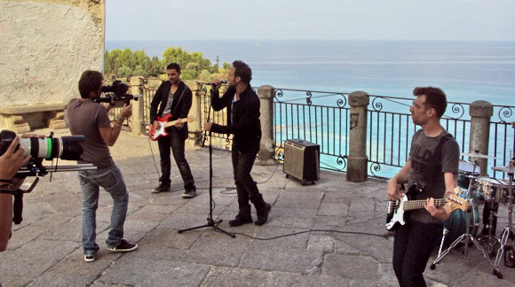 "Un momento delle riprese del video ""Famelico"" -Sugarfree-"