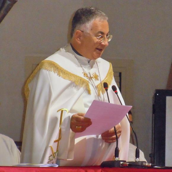 IL Vescovo dell Diocesi di Mileto-Nicotera-Tropea mons Luigi Renzo