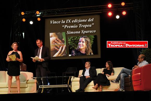 L'edizione IX della prestigiosa kermesse letteraria incorona Simona Sparaco - foto Libertino