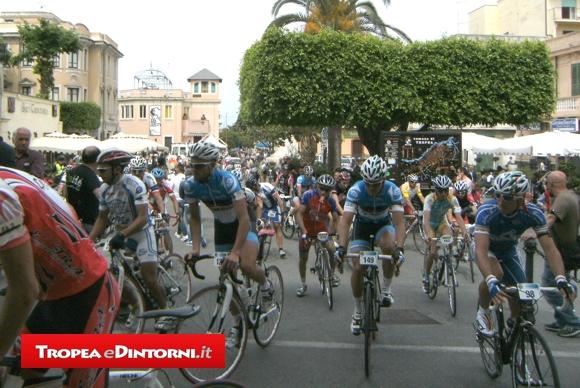 Tropea, primo giro ciclistico della Provincia di Vibo - foto Taccone