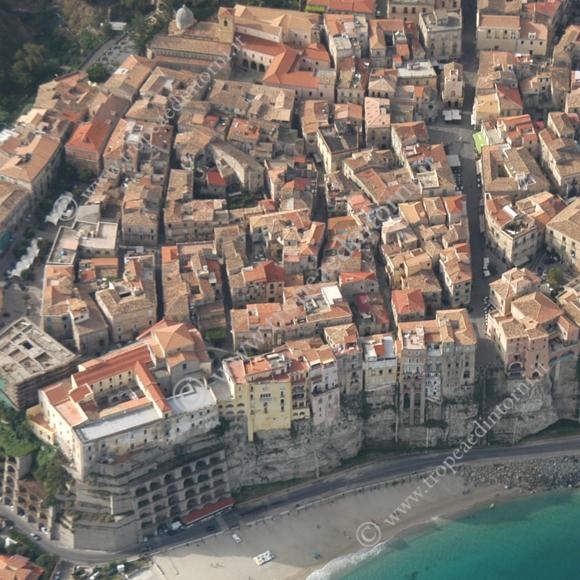 Tropea: veduta aerea - foto Libertino